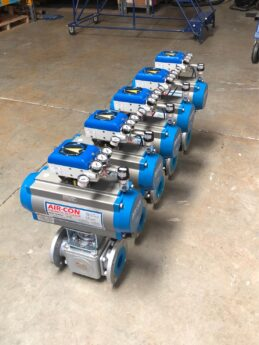 Photo by Diversified Controls: VAC V200 on 3 way ball valves